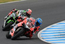 Melandri edges Rea to double up at Phillip Island