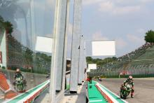 Rea irresistible in Imola opener