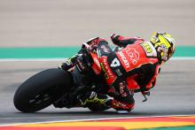 Bautista powers to Aragon pole, Rea 10th