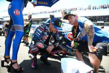 Unlucky Lowes counts cost of crash-strewn weekend