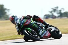Rea menang sprint setelah oli menyebabkan kekacauan, Sykes kalah kedua
