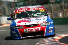 Series finale to decide V8 Supercar title battle.