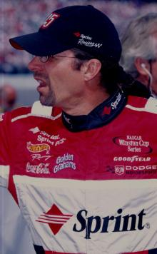 Wallace, Petty to participate in charity auction.