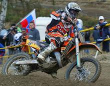 Townley continues ascent - chases Everts.