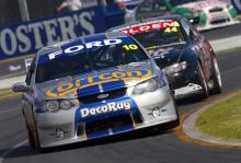 All hands on deck for Winterbottom's steed.