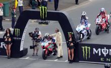 TT2014: Triple winner Dunlop staying grounded