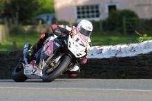 Classic TT: Kneen in for injured Donald