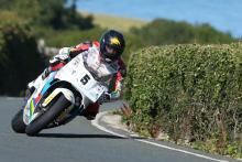 Awesome Anstey unstoppable in Formula 1 Classic TT