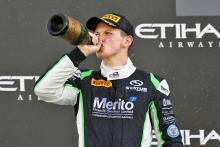 GP3: Niederhauser excluded, loses race 2 win