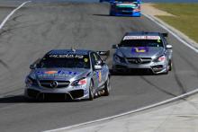 Davison denies Lowndes the tonne at Perth