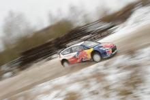 Raikkonen crashes out of the Arctic as Kubica halts rally forays