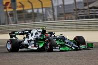 Pierre Gasly (FRA) AlphaTauri AT02 with flow-vis paint.