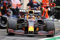 Max Verstappen (NLD) Red Bull Racing RB16B makes a pit stop.