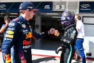 (L to R): Max Verstappen (NLD) Red Bull Racing congratulates pole sitter Lewis Hamilton (GBR) Mercedes AMG F1 in qualifying parc ferme.